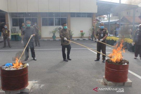 Kejari Padang musnahkan 234 kilogram ganja dari perkara tindak pidana