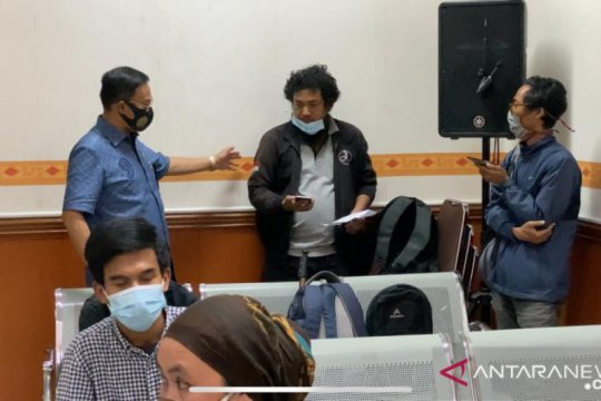 Wartawan radio diserang saat siaran langsung sidang Vanessa Angel