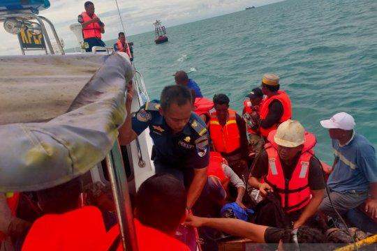 Kapal motor tujuan  Sunda Kelapa tenggelam di perairan Belitung