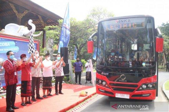 Gubernur Bali luncurkan uji coba angkutan shuttle bus listrik