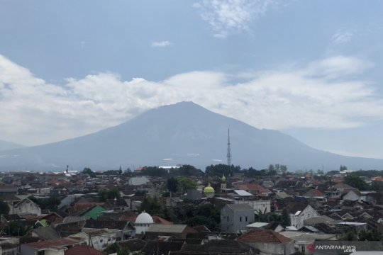 Licin, pendakian Gunung Arjuno-Welirang ditutup akibat cuaca buruk