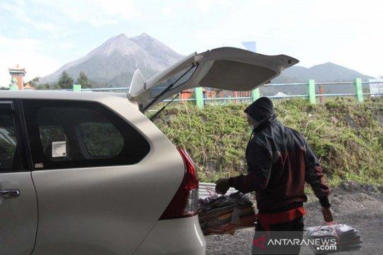 Kemarin, Gunung Merapi Siaga hingga ikon satwa-puspa nasional 2020