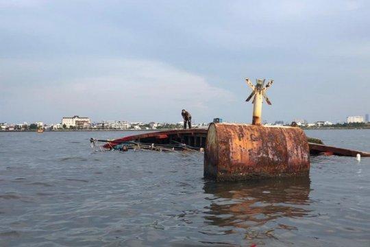 Seorang ABK hilang akibat KM Mina Rejeki tenggelam di Muara Angke