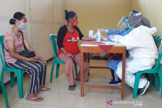 Warga pengungsi Gunung Merapi di Magelang-Jateng jalani tes cepat