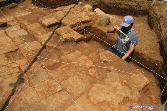 Ekskavasi situs Langlang di Malang