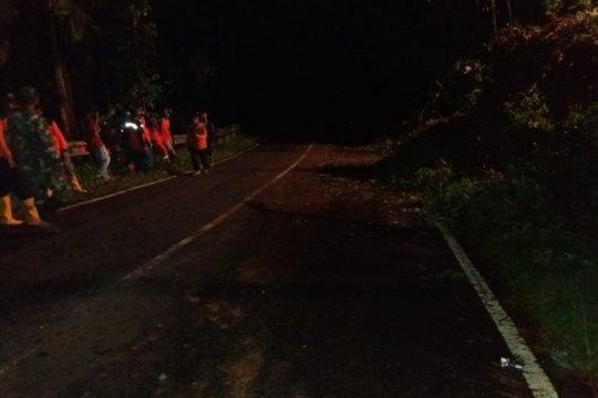 Tebing longsor di Desa Glempang, BPBD Banjarenagara lakukan penanganan