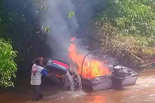 Speedboat rombongan KSOP Batanjung Kapuas Kalteng terbakar