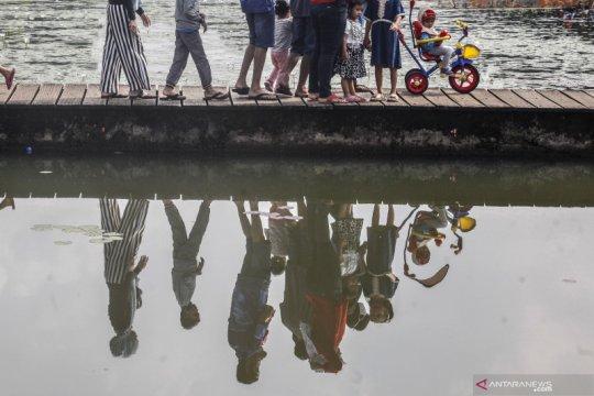 Wisata Danau Ecopark LIPI di Cibinong