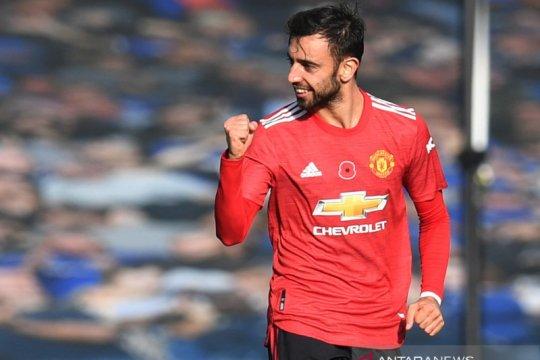 Louis Saha: Man United butuh empat pemain seperti Bruno Fernandes