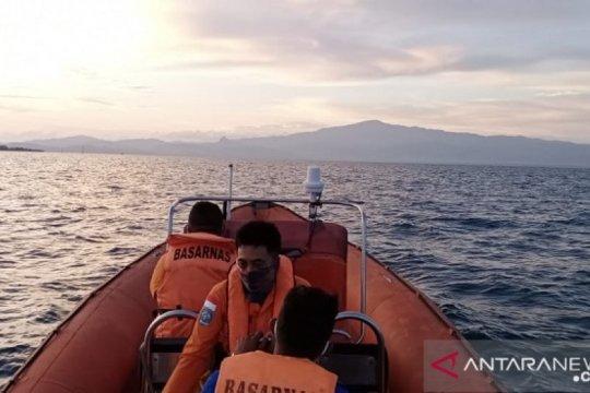 Tim SAR cari dua orang tenggelam di Perairan Pulau Kelang-Maluku