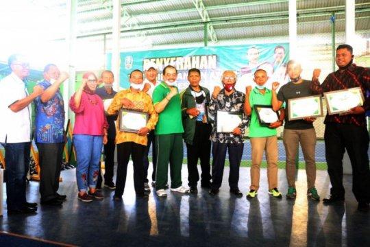KONI Jatim beri penghargaan mantan atlet berprestasi di Hari Pahlawan