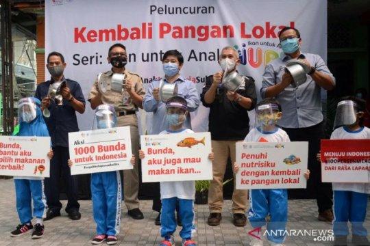 """Kegiatan """"Ikan untuk Anak"""" aksi 1000 Bunda untuk Indonesia"""