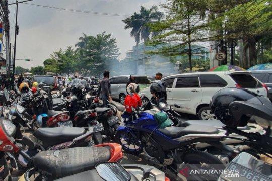 TransJakarta alihkan layanan imbas penutupan di KS Tubun dan Monas