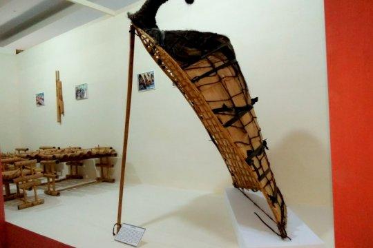 Ratusan alat musik tradisional nusantara dipamerkan di Ambon