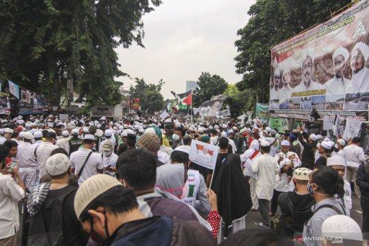 Kerumunan dan sulitnya koordinasi di Ibu Kota