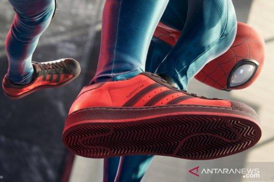 "Adidas rilis sneakers Superstar edisi ""Spider-Man: Miles Morales"""