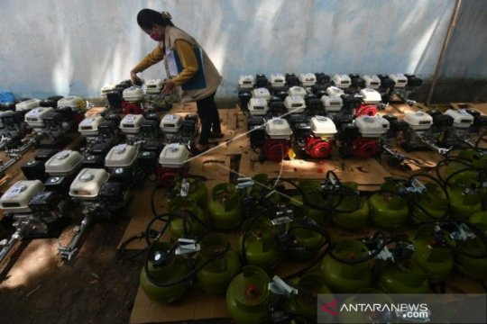 Kementerian ESDM bantu konverter kit kepada 300 nelayan di Palu