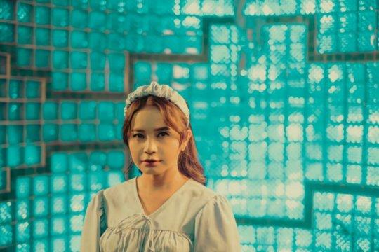 "Rossa - SM Entertainment kolaborasi video musik ""Masih"""
