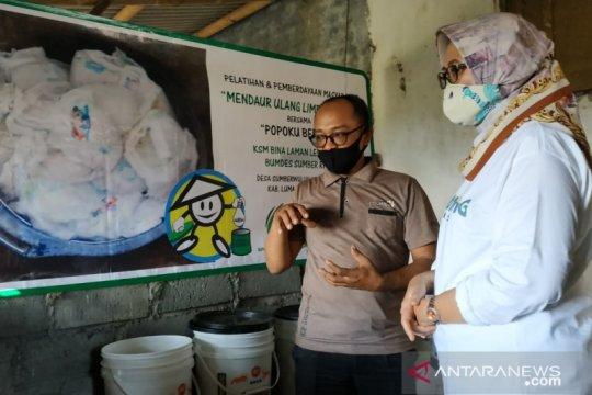 Warga Lumajang ubah limbah popok jadi barang bernilai ekonomi