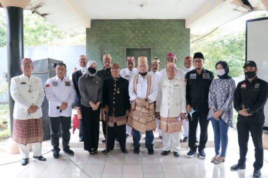 Ketua DPD RI dapat gelar adat marga Waykanan