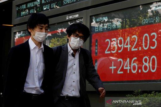 Saham Tokyo ditutup menguat ditopang kemajuan vaksin dan pelemahan yen