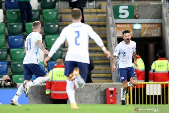 Gol Duris pada perpanjangan waktu bawa Slovakia ke EURO