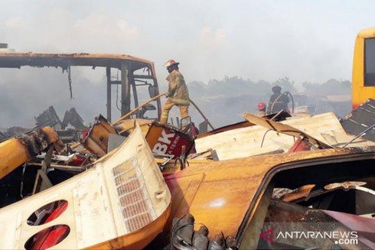 Transjakarta yang terbakar sempat diminta Bupati jadi bus sekolah