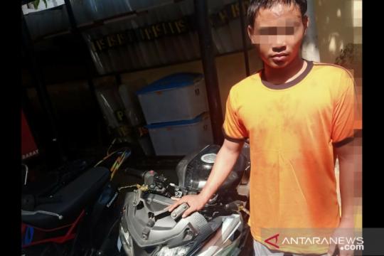 Warga tangkap pencuri sepeda motor di Kampung Duri