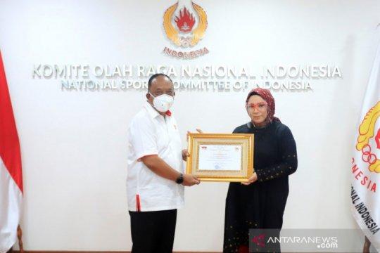 KONI anugerahkan penghargaan kepada Melky Goeslaw