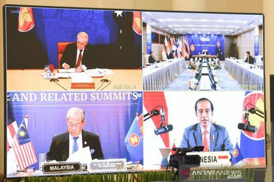 Presiden Jokowi hadiri KTT ASEAN dengan sejumlah negara mitra