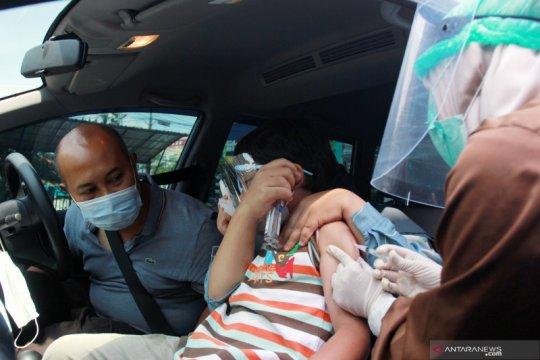 Imunisasi secara drive thru