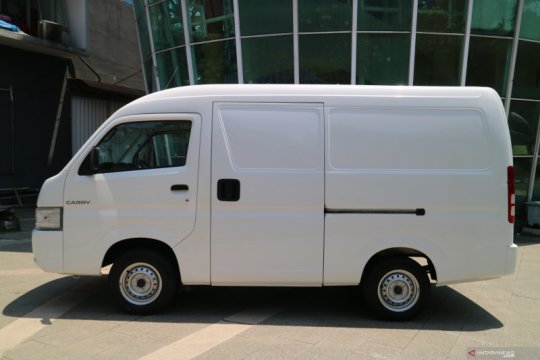 """Suzuki New Carry hadir dalam bentuk Minibus dan """"Blind Van"""""""