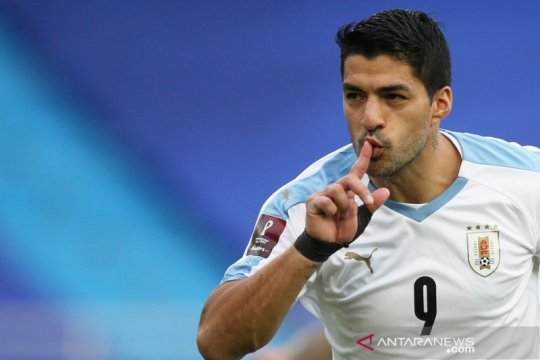 Suarez bakal lewatkan laga melawan Brazil karena positif COVID-19