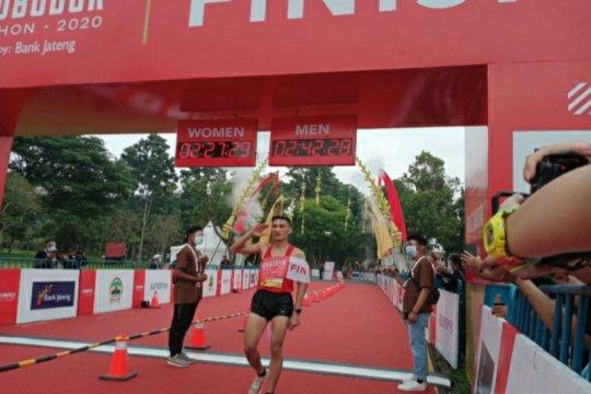 Betmen dan Pretty   juara Borobudur Marathon 2020