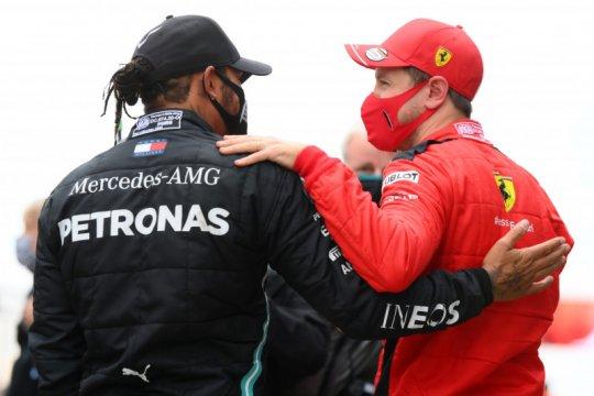 """Vettel sebut Hamilton """"pebalap terhebat di era kita"""""""