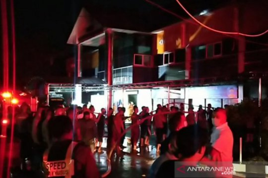 Polda Jatim belum pastikan penyebab kebakaran gedung RTMC