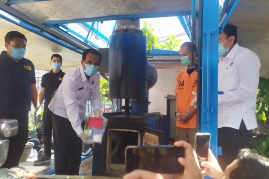 BNNP Bali musnahkan paket sabu-sabu kiriman Malaysia seberat 90 gram
