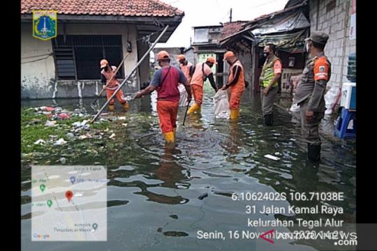 Tiga RT di Tegal Alur terdampak banjir