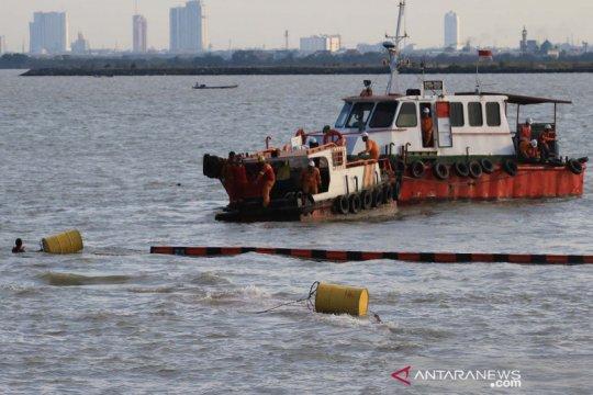 Kapal kargo MV Mentari Crystal tenggelam di Teluk Lamong Surabaya