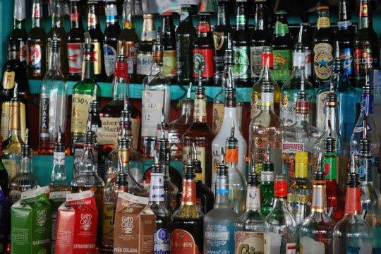 Peneliti: Perpres 10/2021 tidak longgarkan pembatasan konsumsi alkohol