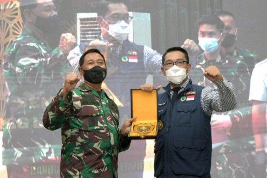 Ridwan Kamil dorong anggota TNI jadi relawan penyuntik vaksin COVID-19
