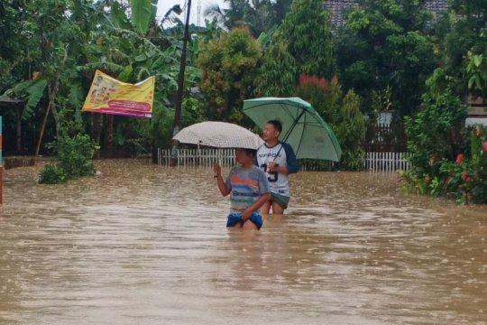 Tujuh kecamatan di Cilacap-Jateng dilanda bencana hidrometeorologi