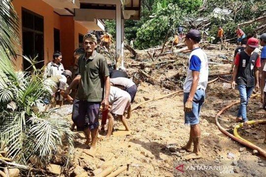 Banjir dan longsor merenggut korban jiwa di wilayah Banyumas