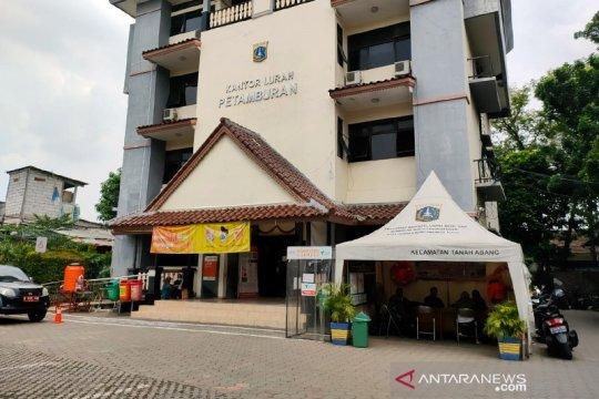 Wali kota pastikan tes usap massal digelar di Kelurahan Petamburan
