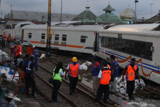 PT KAI selidiki rangkaian gerbong anjlok di Kota Malang