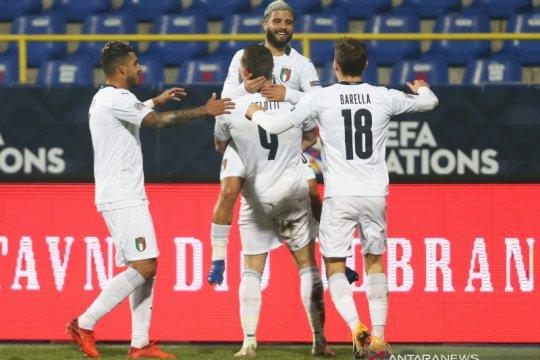 Italia ke empat besar setelah bungkam Bosnia, Belanda juga menang