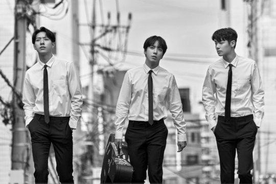 """""""RE-CODE"""" CNBLUE berjaya di iTunes Indonesia dan 9 negara lain"""