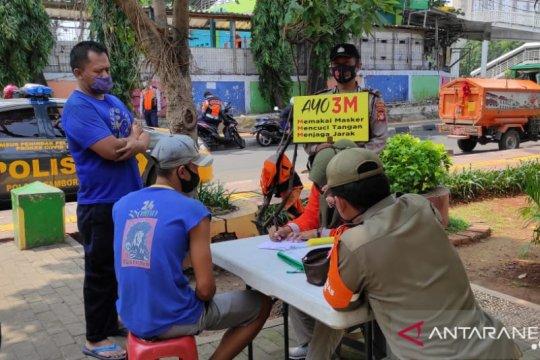 Operasi yustisi di Tambora kenakan sanksi sosial 60 pelanggar