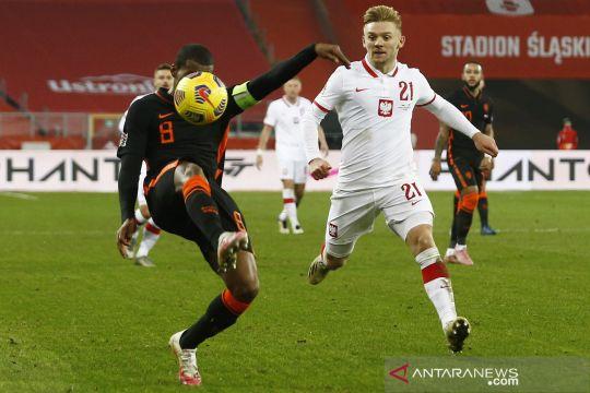 Bermain tandang, Belanda kalahkan Polandia 2-1