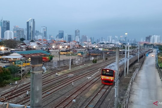 Senin siang, hujan guyur sejumlah wilayah di Jakarta